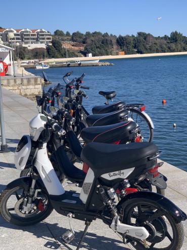Rent a motorbike in Premantura